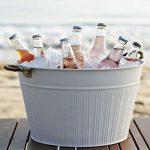Schaal met drankjes tijdens bruiloft